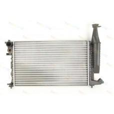 Радиатор охлаждения двигателя основной PEUGEOT PARTNER 1.1, 1.4, 1.8 BENZ 11/98> (133047)